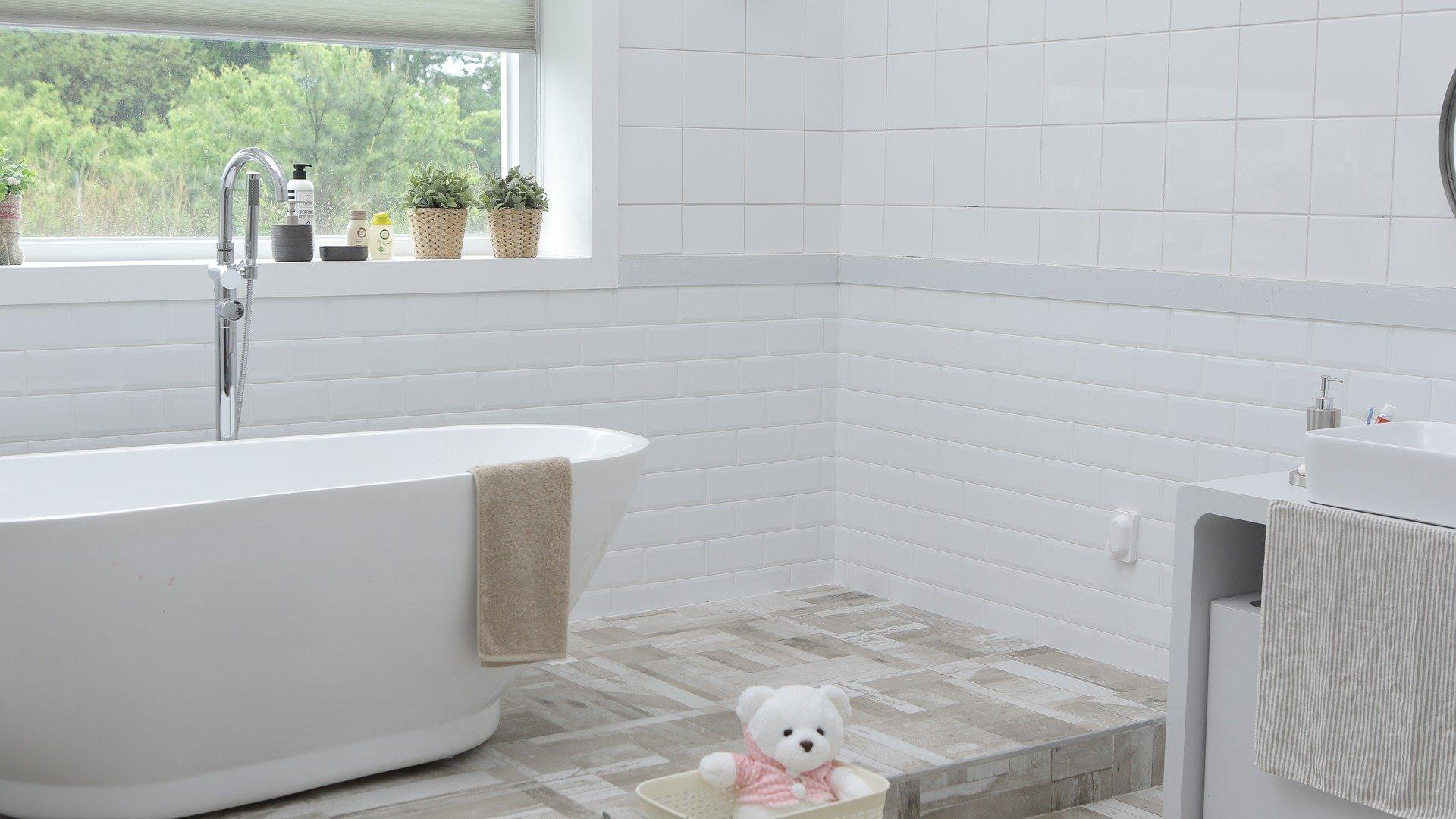 bathroom-1872193_1920