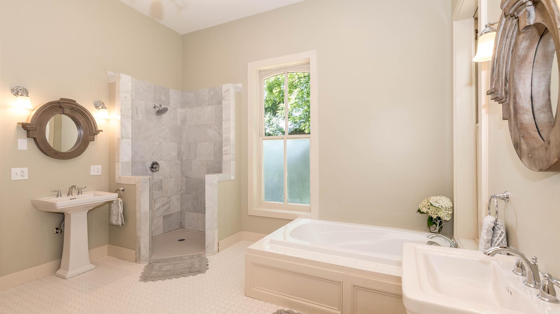 bathroom-3615667_1920